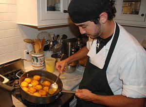 Elio Basting Potatoes - Photo Alex Kaliakin